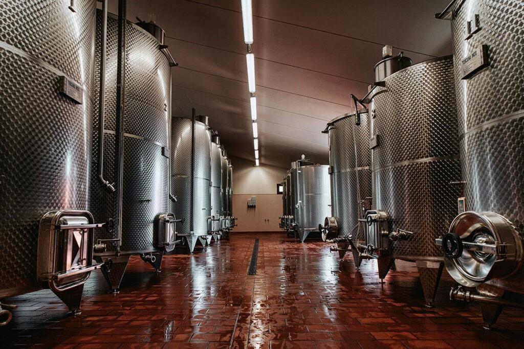 Contenitori chiusi per la vinificazione Inox